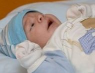 Csecsemő kesztyű arckaparás ellen (több szín)