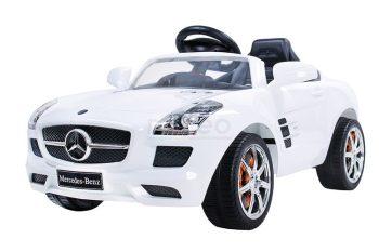Mercedes-Benz fehér elektromos autó távirányítóval